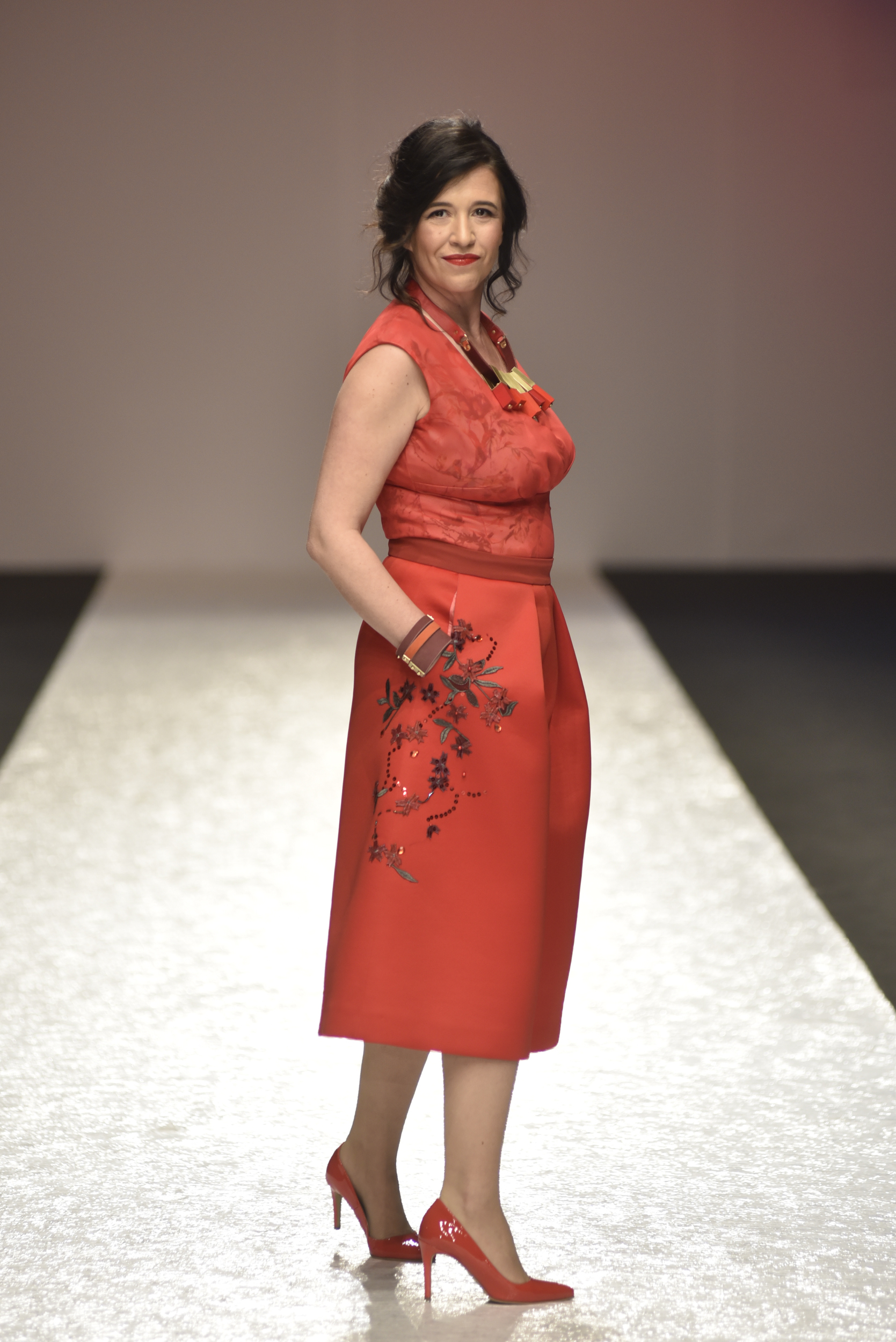 Nela Mihajlovic u modelu Svetlane Jacovic